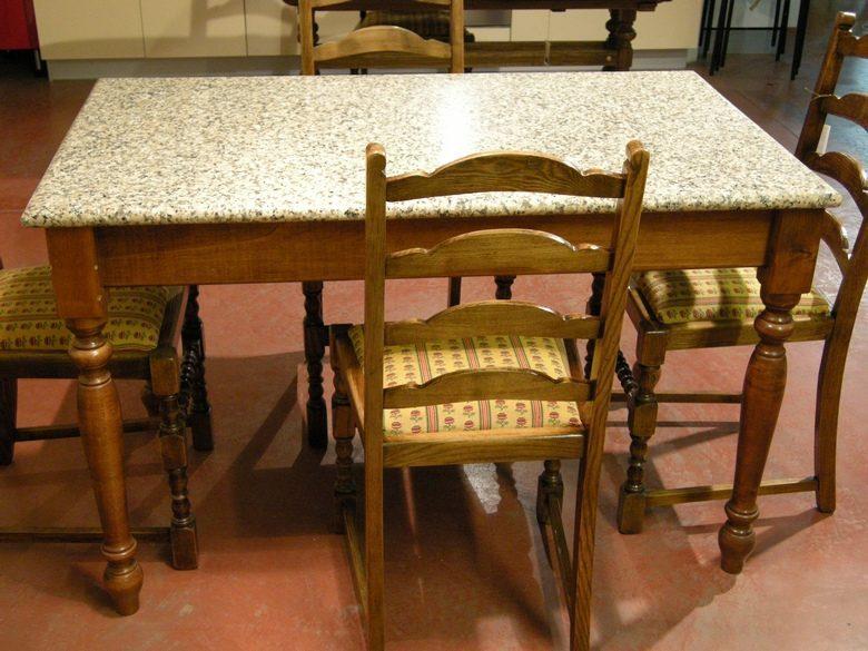 Tavolo Cucina Con Piano In Granito.Tavolo Legno Con Piano In Granito Casarredo